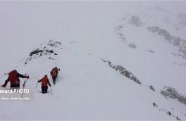 یادبود شهدای آتش نشان در ۴ قله بالای ۳۵۰۰ متری